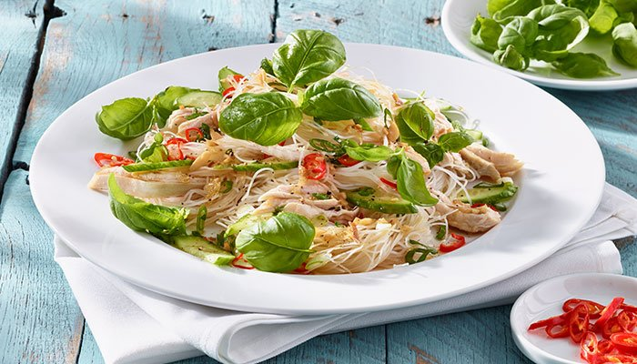 basil chicken salad display image