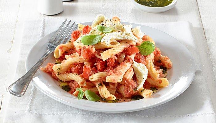 no cook tomato sauce display image