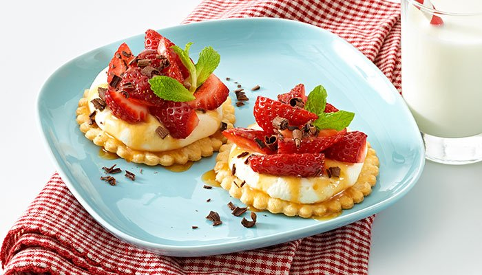 mini mascarpone pies display image