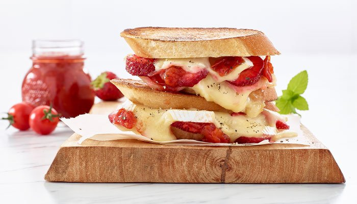 strawberry brie grilled cheese display image