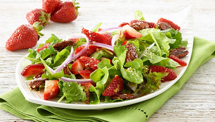 strawberry hemp salad display image